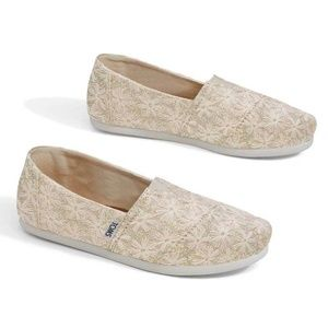Toms natural daisy embroidered metallic alpargata